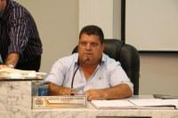 Em pleno recesso parlamentar, Ditinho Muleta cobra Prefeito Municipal sobre Asfalto do Jd. Alpino